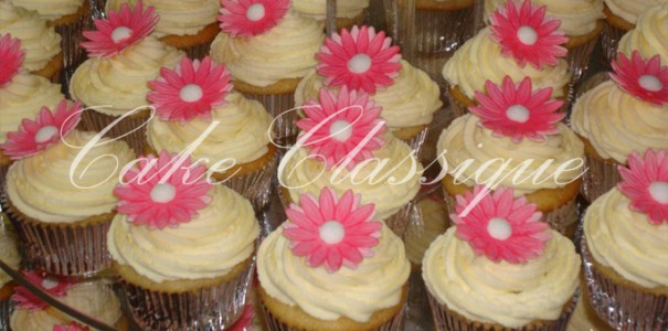 Cupcakes and Petit Fours 9
